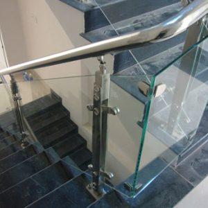 cầu thang kính trụ dài hp14