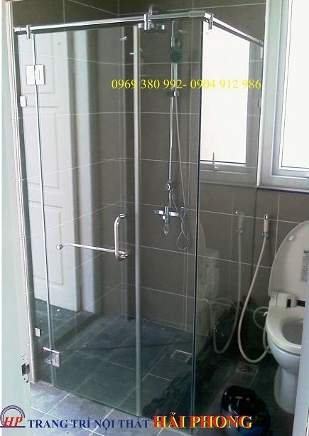 Phòng tắm kính 90 độ