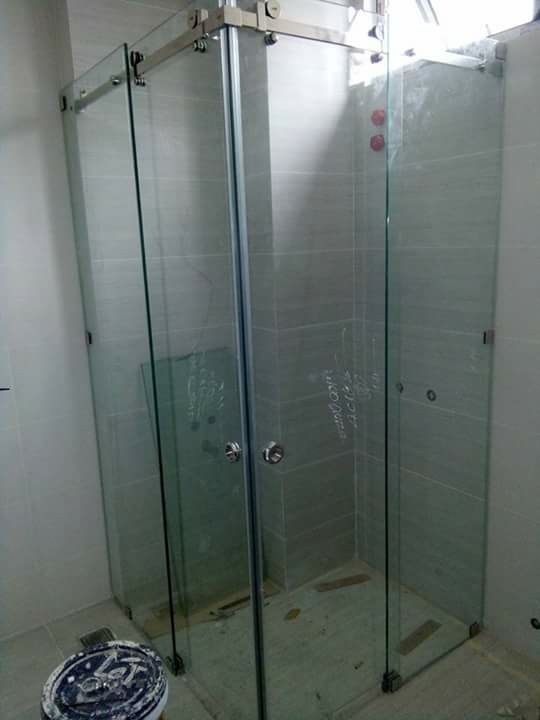 Phòng tắm kính cửa trượt sử dụng lùa 10x30