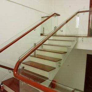 cầu thang kính trụ lửng 04