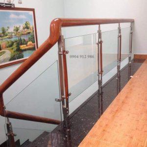 Cầu thang kính tại quận 1 tphcm