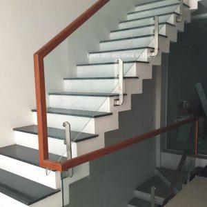 Cầu thang kính tại gò vấp tphcm